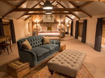 The Hayloft room.jpg
